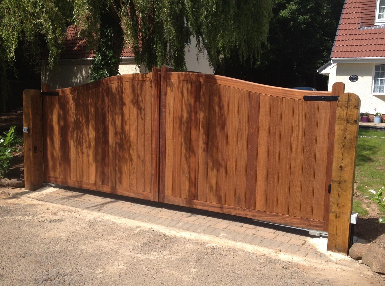 Wooden Gate 04 - TPS Electric Gates