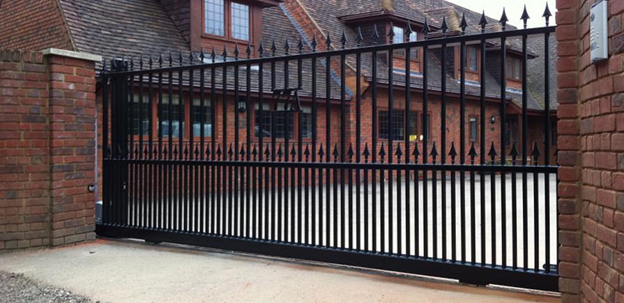 Black gate 3 - TPS Electric Gates