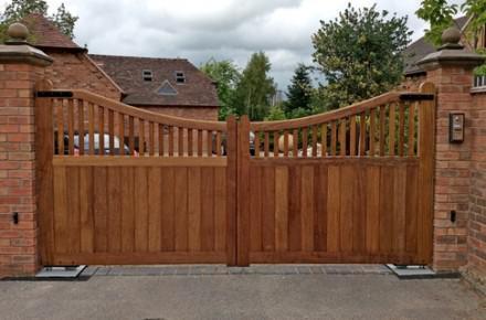 tps-gate-wooden-electric-gates - TPS Electric Gates
