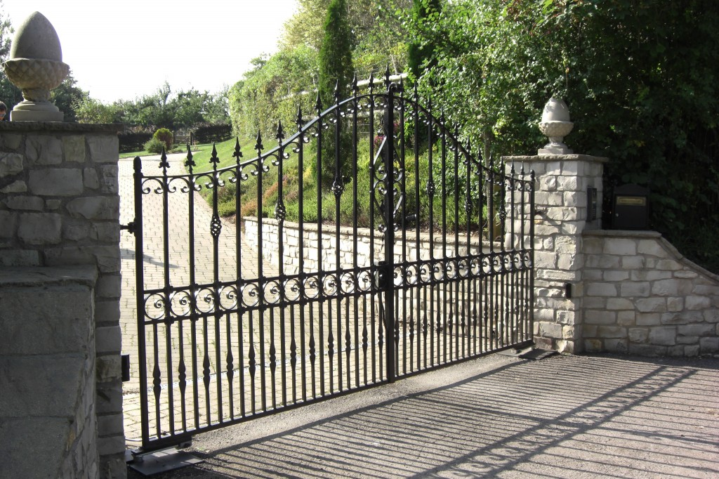 Fed Up With Maintaining Your Old Entrance Gates