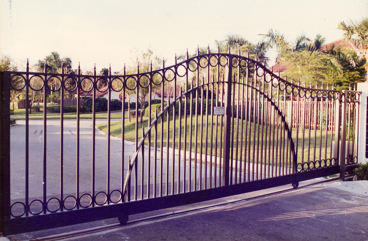 why-you-should-leave-gate-maintenance-to-the-professionals - TPS Electric Gates