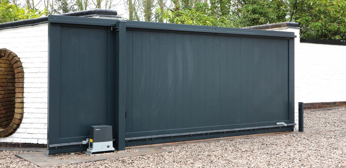New Gate Rear View - TPS Electric Gates