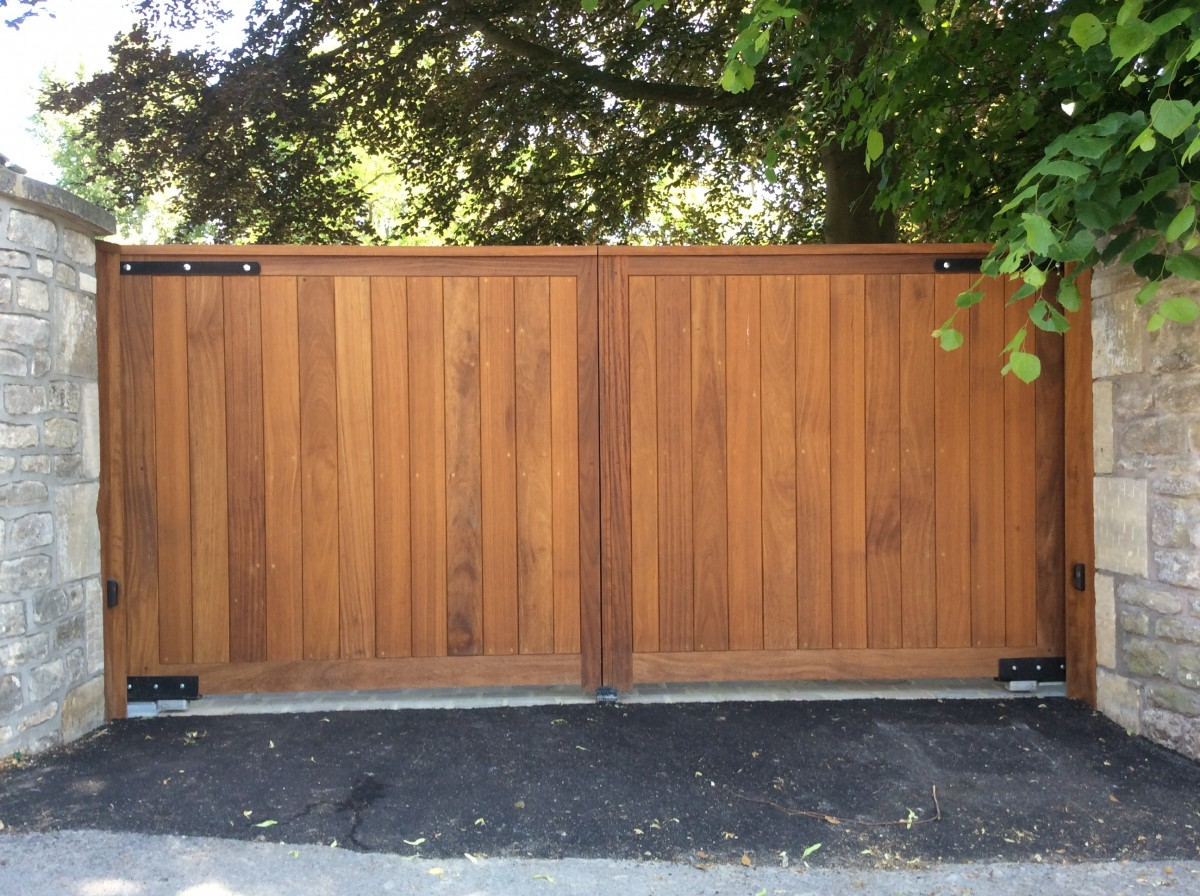 Wooden Gates 61 - TPS Electric Gates