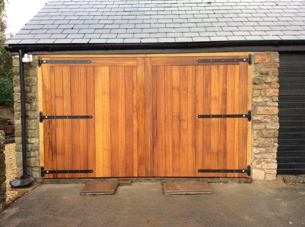 Wooden Gates 125 - TPS Electric Gates