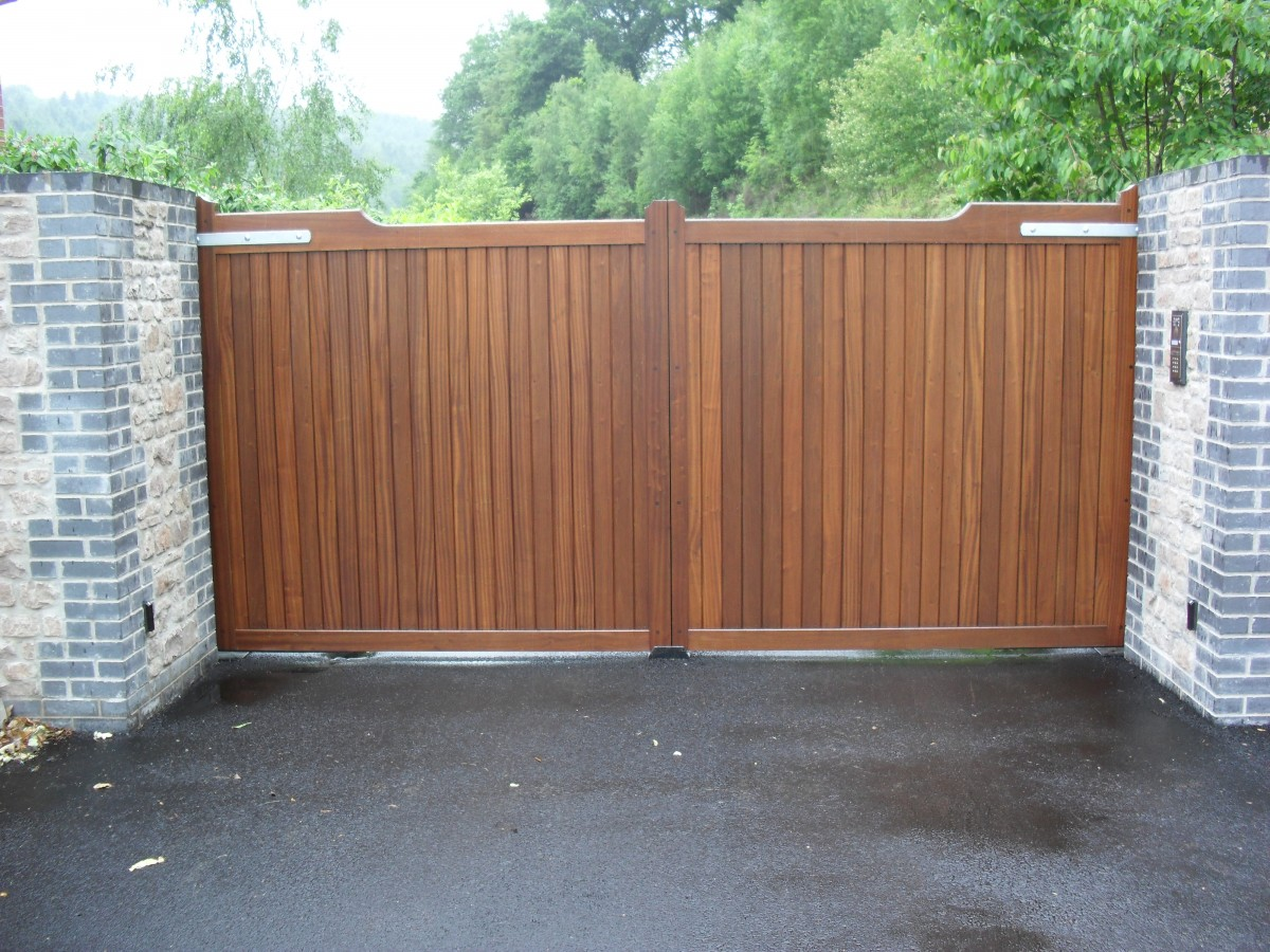 Wooden Gates 124 - TPS Electric Gates