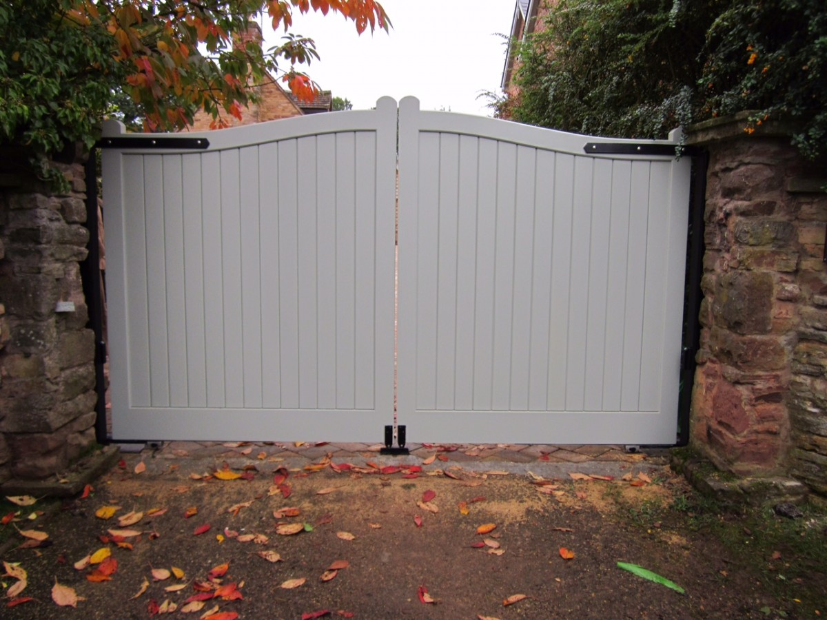 Wooden Gates 123 - TPS Electric Gates
