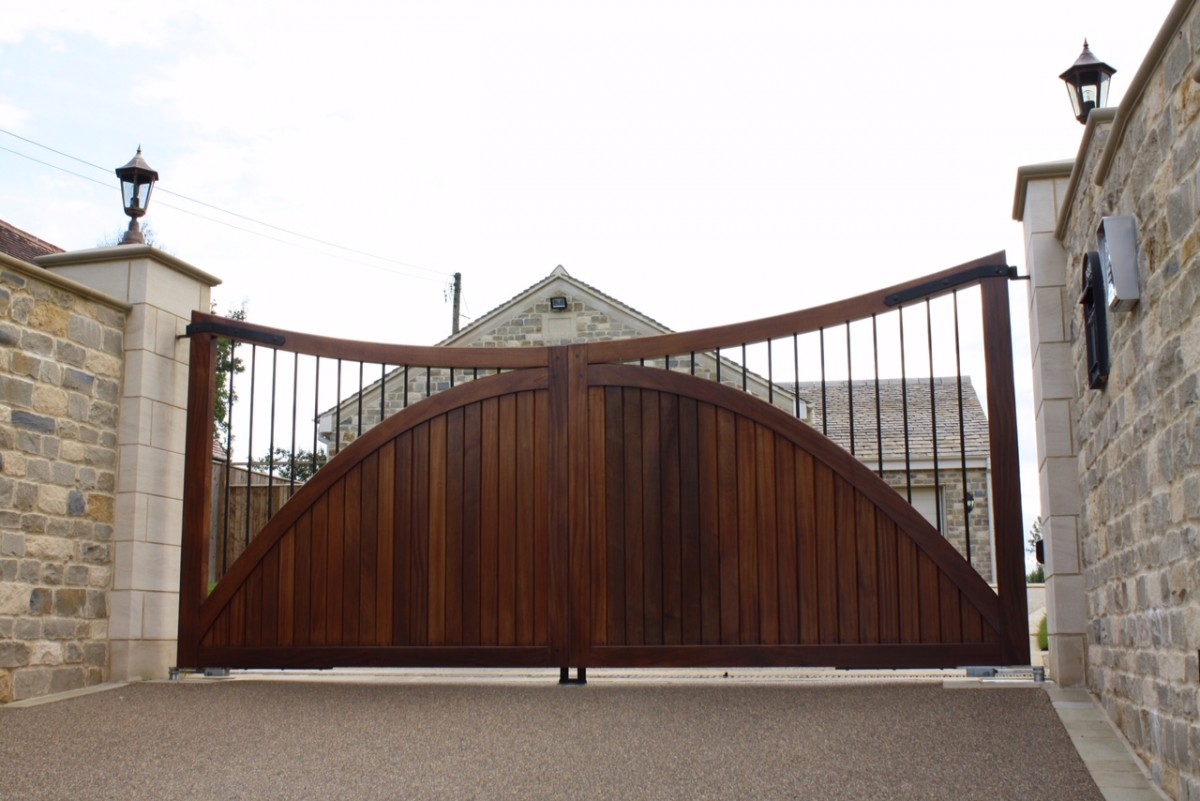 Wooden Gates 121 - TPS Electric Gates