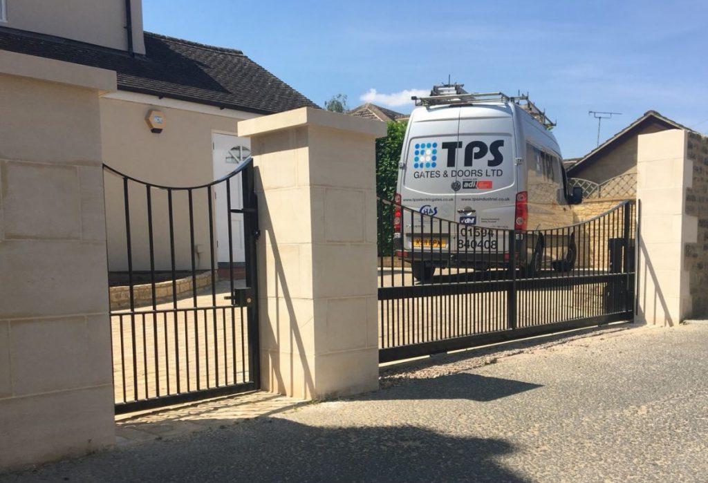 electric gate servicing
