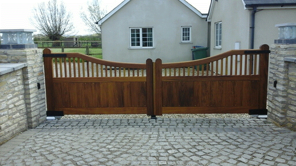 Wooden Gates 47 - TPS Electric Gates