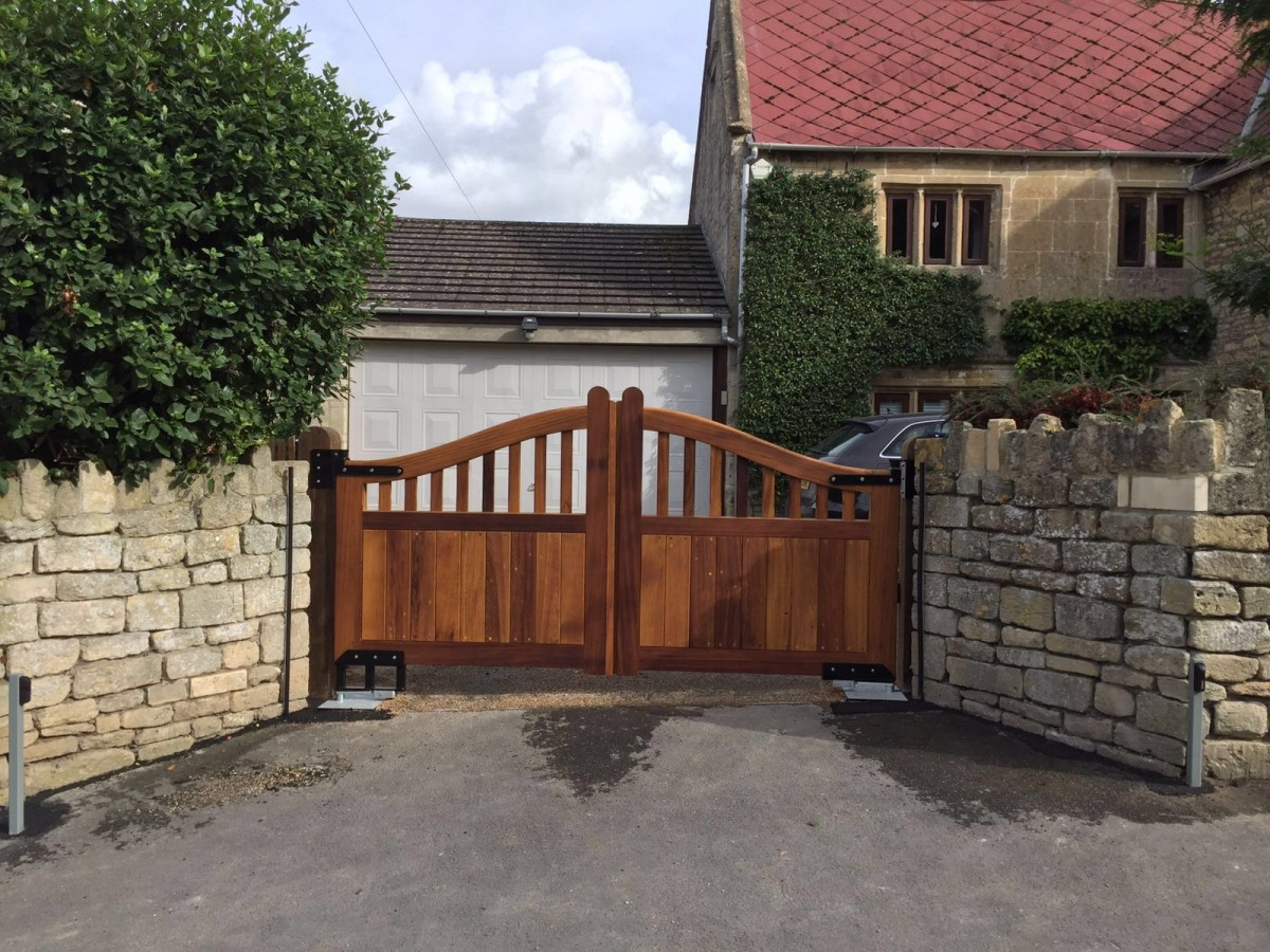 Wooden Gates 41 - TPS Electric Gates