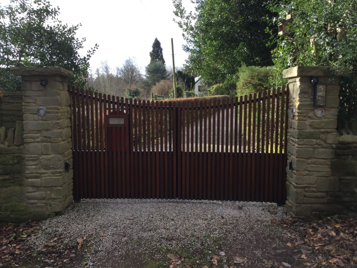 Wooden Gates 40 - TPS Electric Gates