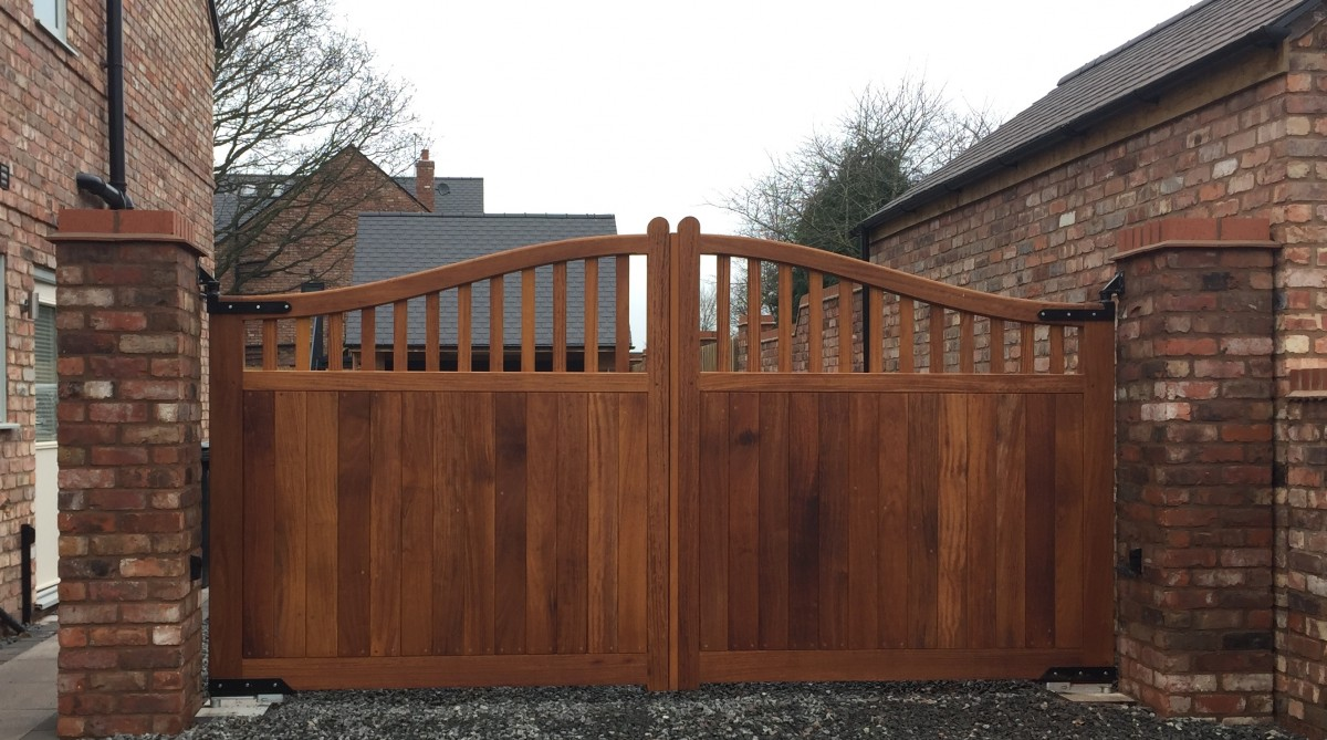 Wooden Gates 107 - TPS Electric Gates