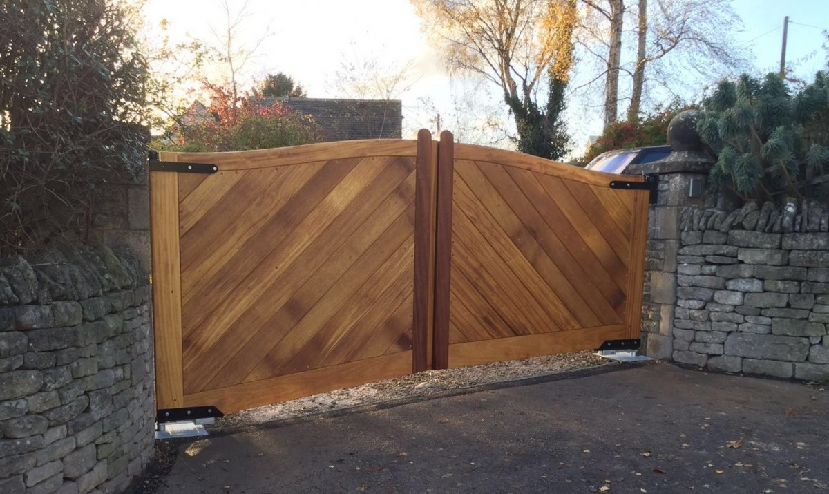 Wooden Gates 39 - TPS Electric Gates