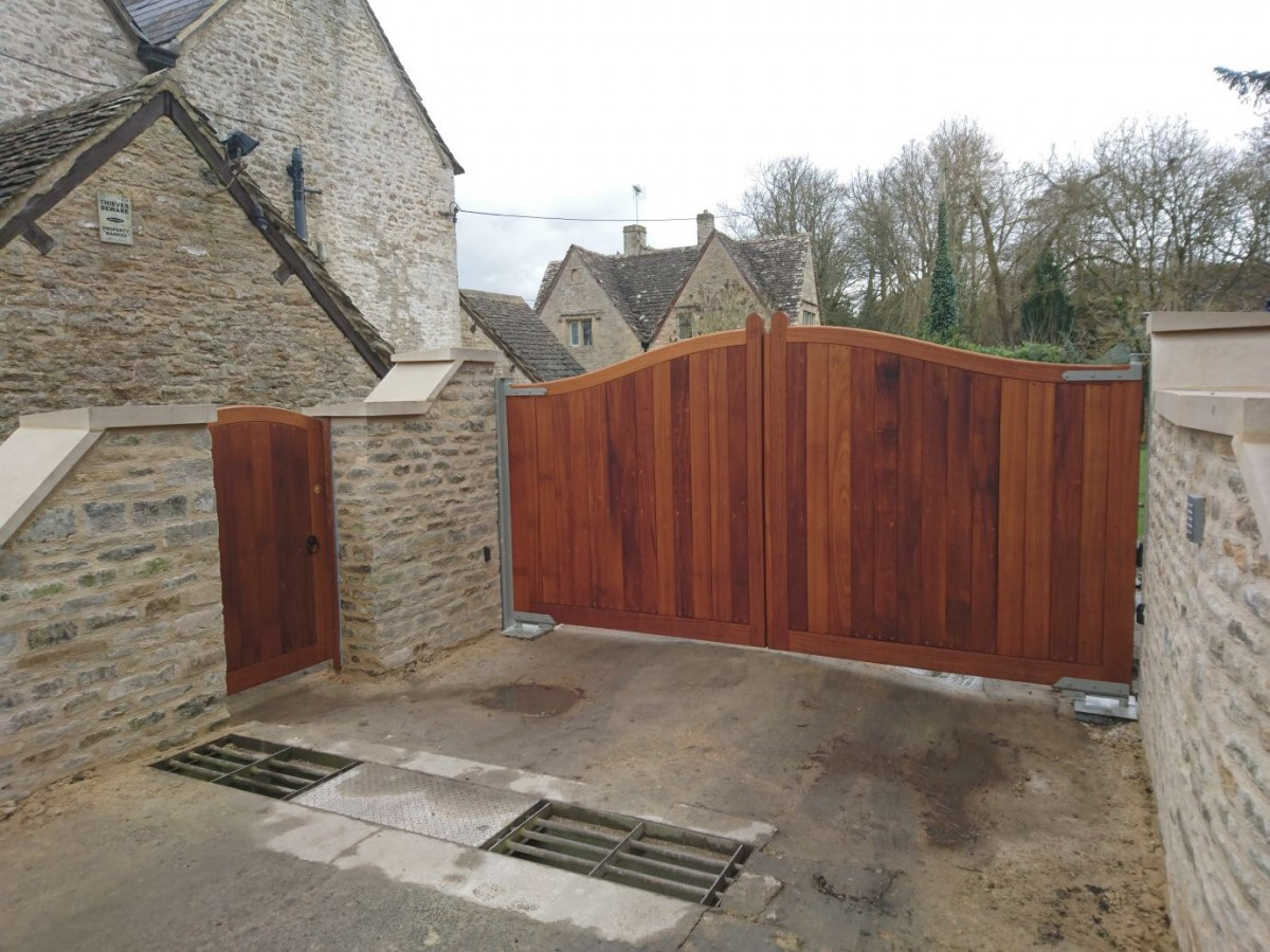 Wooden Gates 99 - TPS Electric Gates