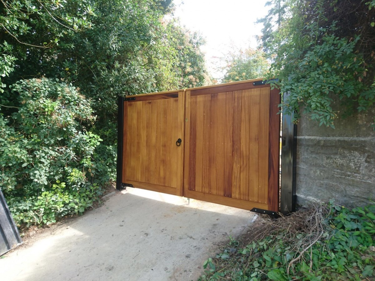 Wooden Gates 24 - TPS Electric Gates