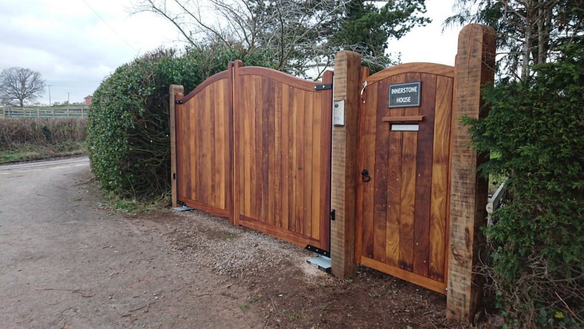 Wooden Gates 87 - TPS Electric Gates