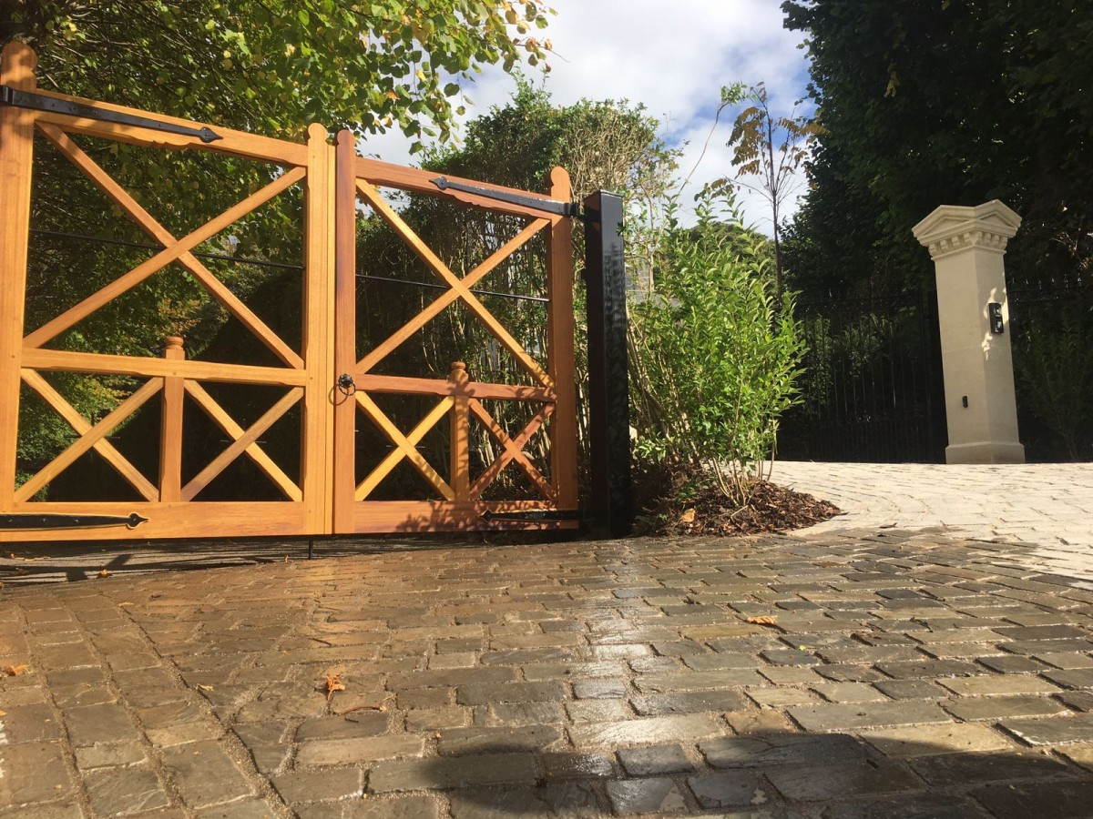 Wooden Gates 85 - TPS Electric Gates