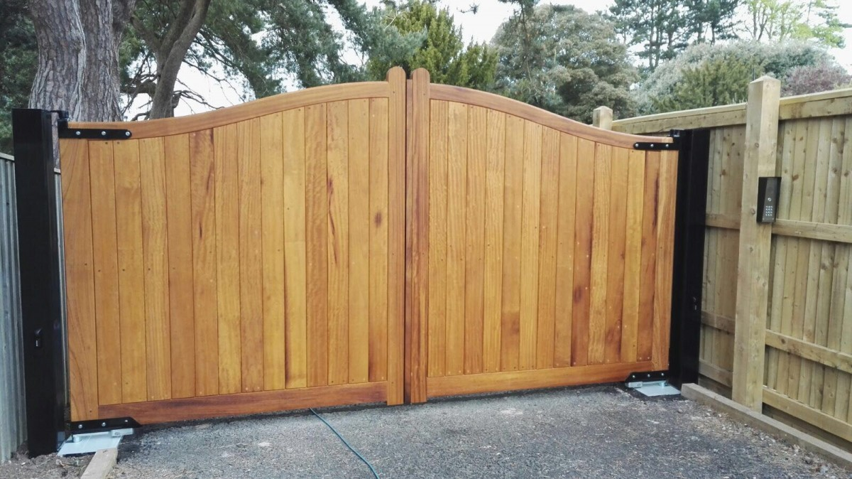 Wooden Gates 80 - TPS Electric Gates