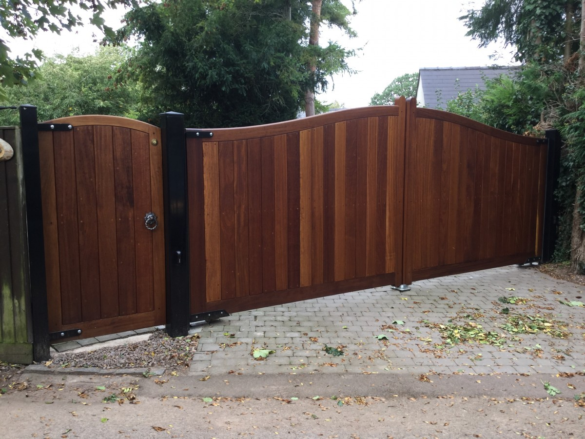 Wooden Gates 9 | TPS Electric Gates