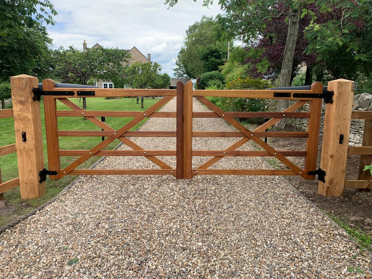 Wooden Gates 71 - TPS Electric Gates